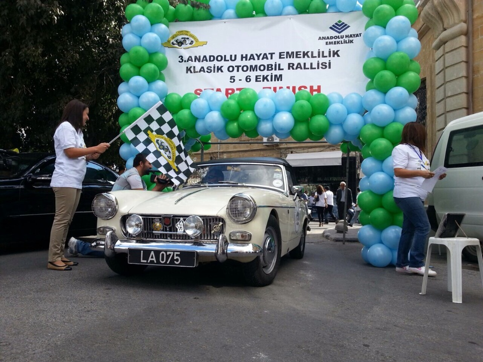 Photo of Anadolu Hayat Emeklilik Klasik Otomobil Rallisinin ilk günü tamamlandı
