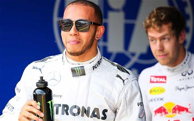"""Photo of """"Yenilmez olan Vettel değil, Red-Bull"""""""