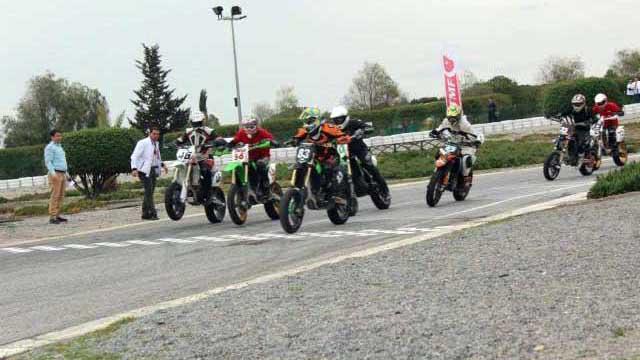 Photo of Zet Karting'de Süpermoto Heyecanı