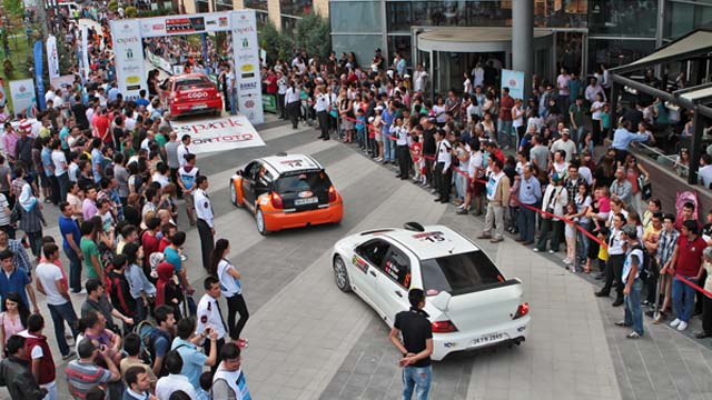 Photo of Türkiye Ralli Şampiyonası Eskişehir'de Devam Ediyor.