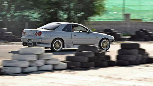 Photo of Nissan Skyline R34