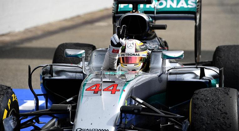 Photo of F1'de Rosberg'in evinde Hamilton Kazandı
