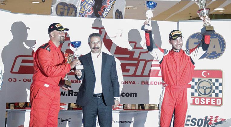 Photo of Fahri-Kalfaoğlu ikilisi ilk yarışlarında podyuma çıkmayı başardı